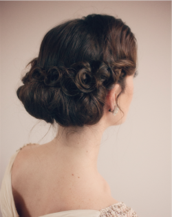 Pin-Ups Bridal Hair