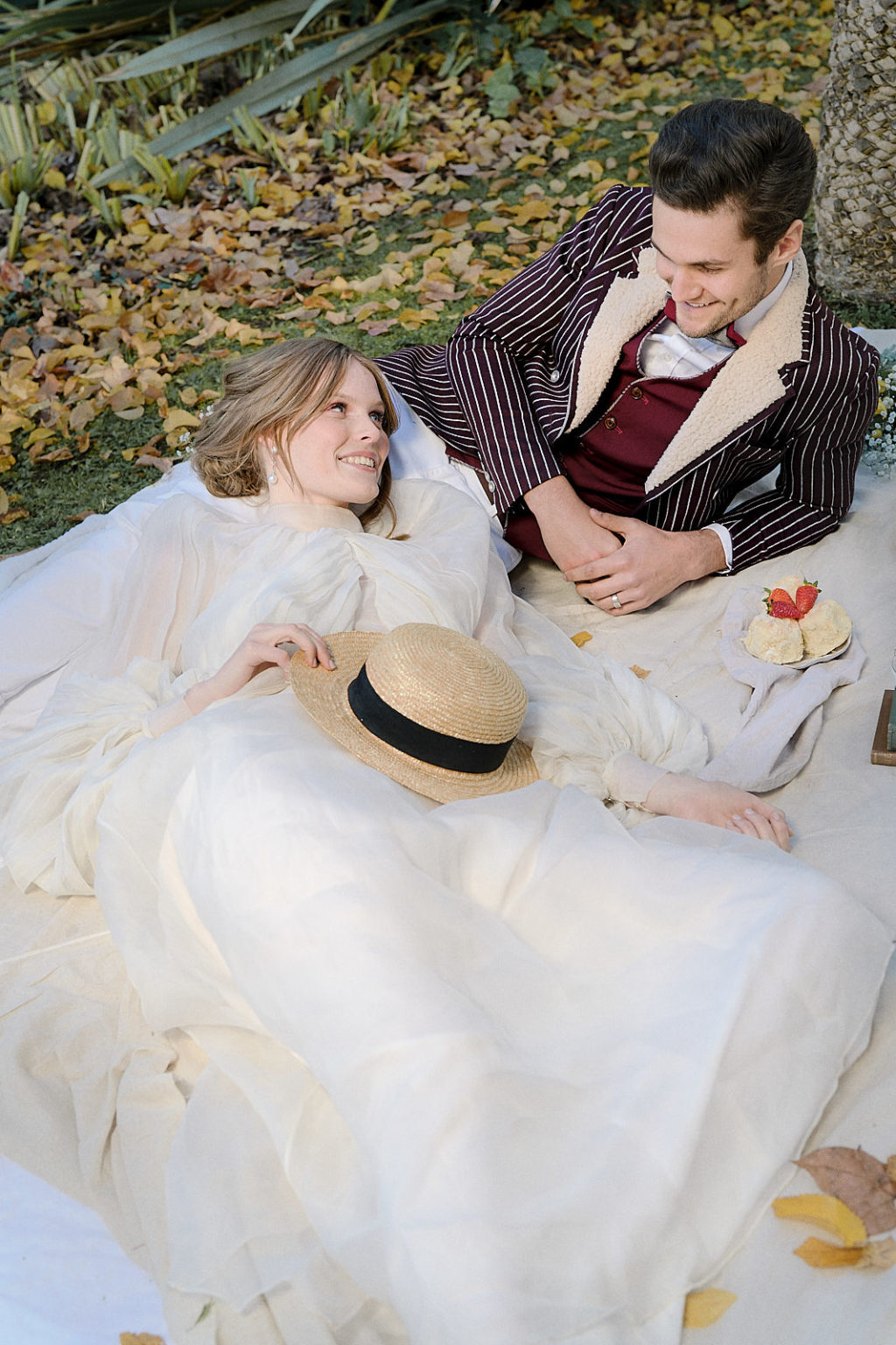 Luxury Picnic Wedding With Chic Victorian Inspiration