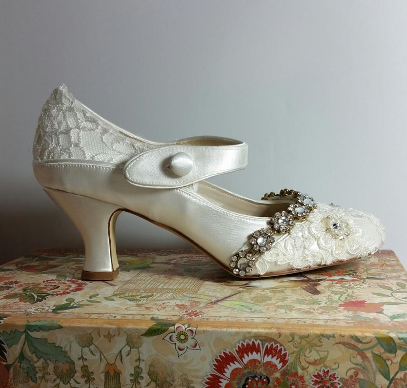 Ivory Embellished 1920s Vintage Wedding Shoes