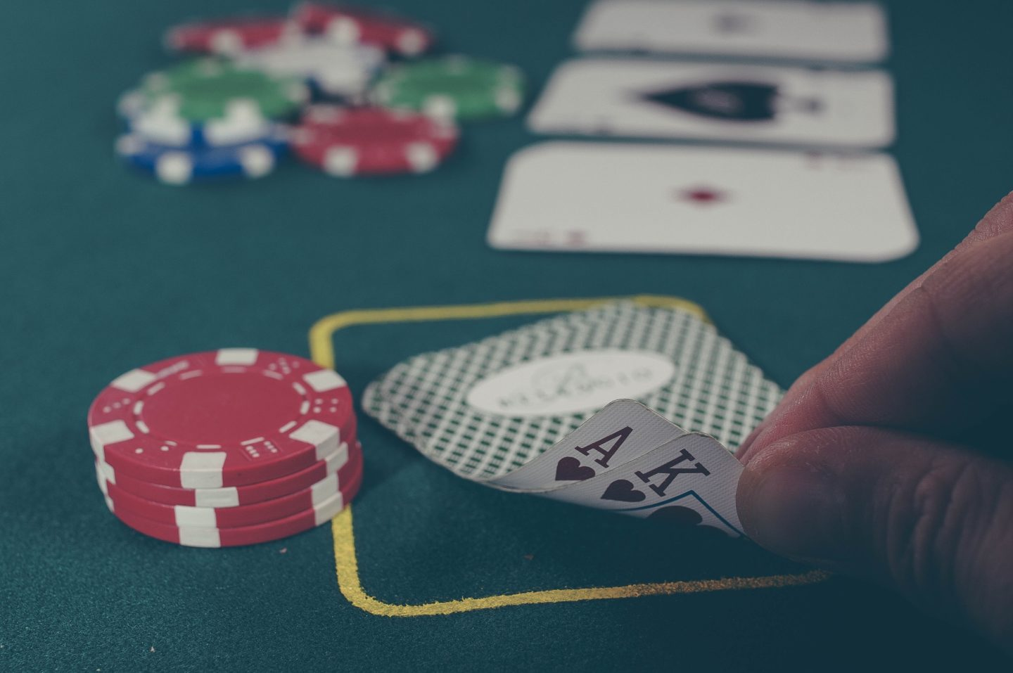 6 Romantic Creative Ways To Have An Intimate Small Wedding - Casino