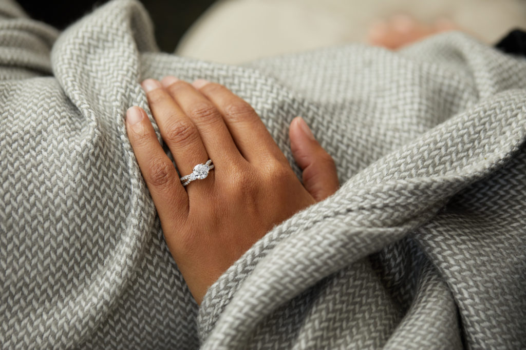 How to Choose an Engagement Ring Setting