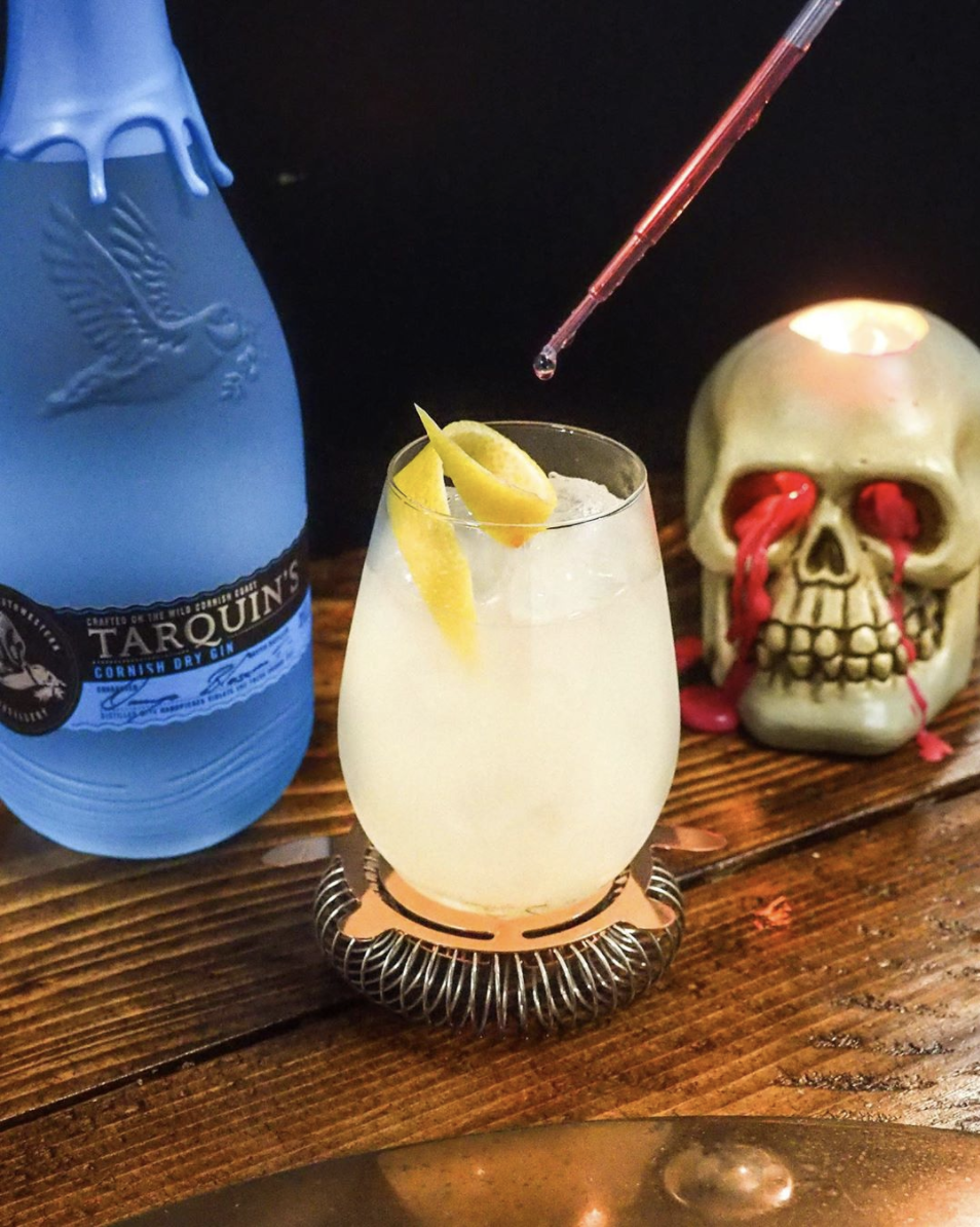 Autumnal Halloween Wedding Cocktail Ideas That Your Guests Will Love