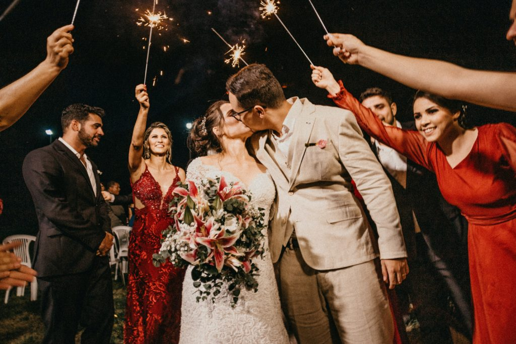 How To Plan A Wedding Within Budget