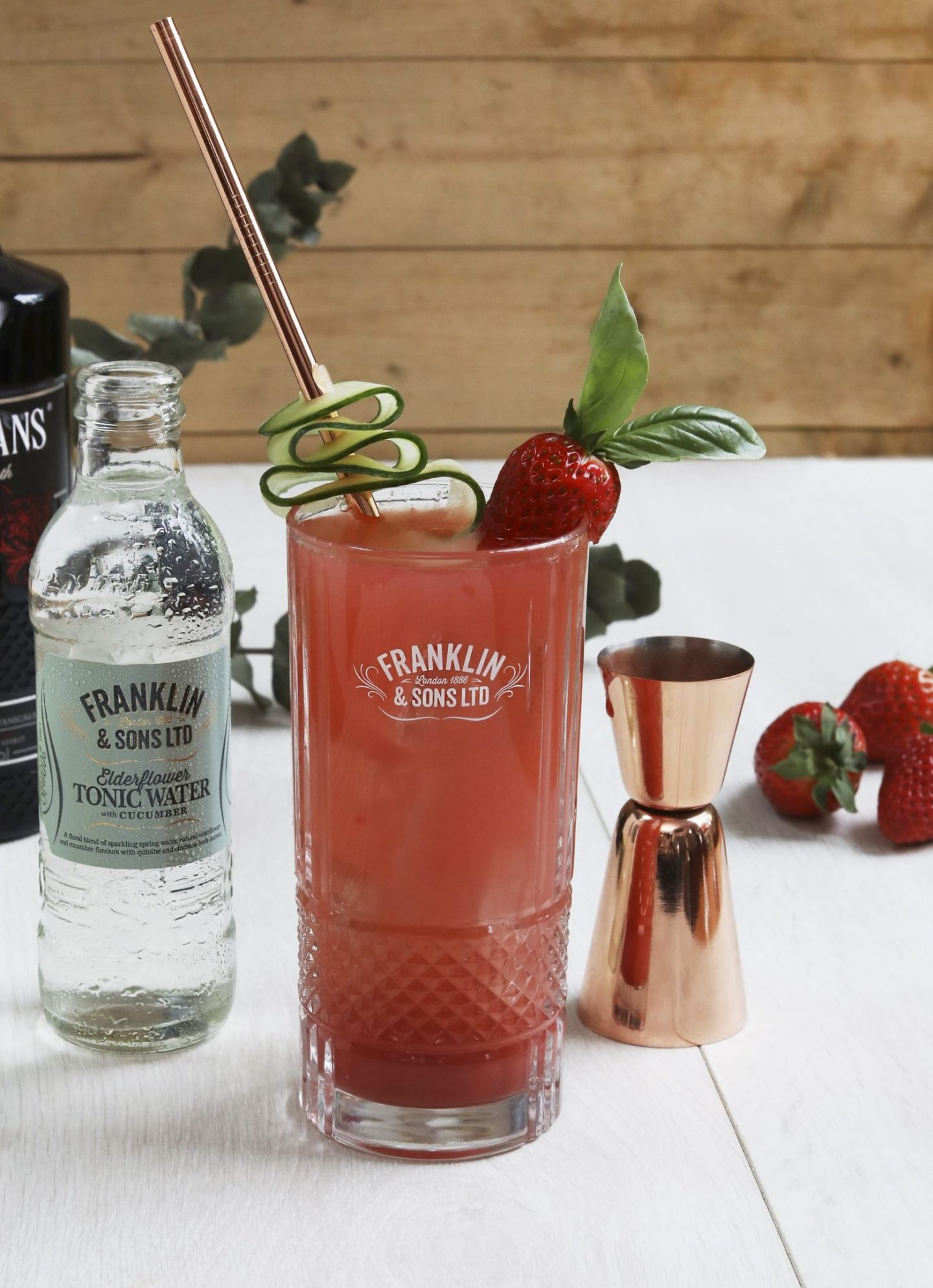 Gin Cocktail Recipes and Gin Chocolate Favours That Your Wedding Guests Will Love